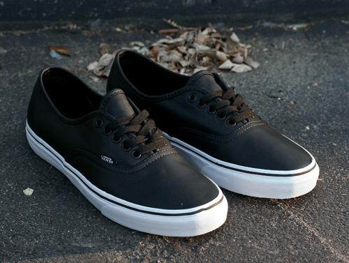 79ab462be1 Vans Authentic Italian Leather - Black