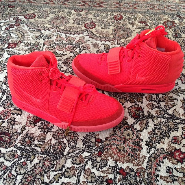Michael Vick Picks Up Nike Air Yeezy 2 Red October