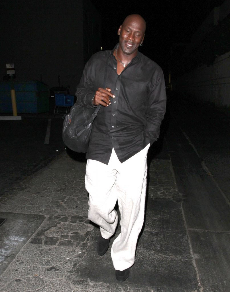 Michael Jordan Has Lunch with Kobe Bryant in Beverly Hills (1)