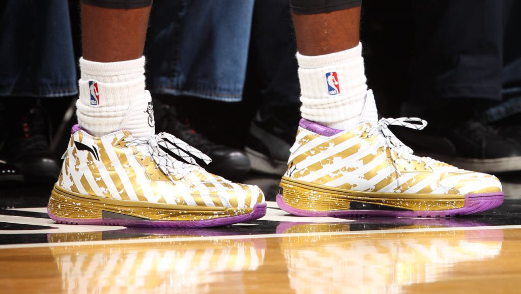 Li-Ning Way of Wade 2 Ring Night Championship Dynasty (4)