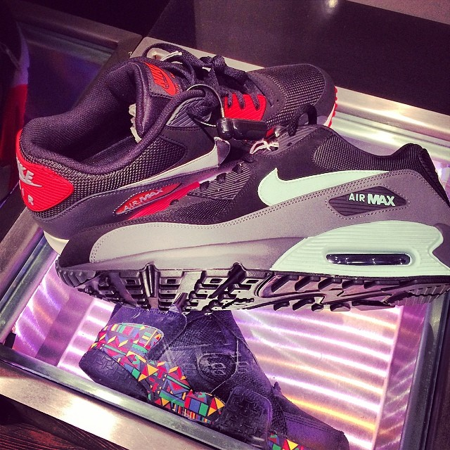 The Game Picks Up Nike Air Max 90 & Air Raid