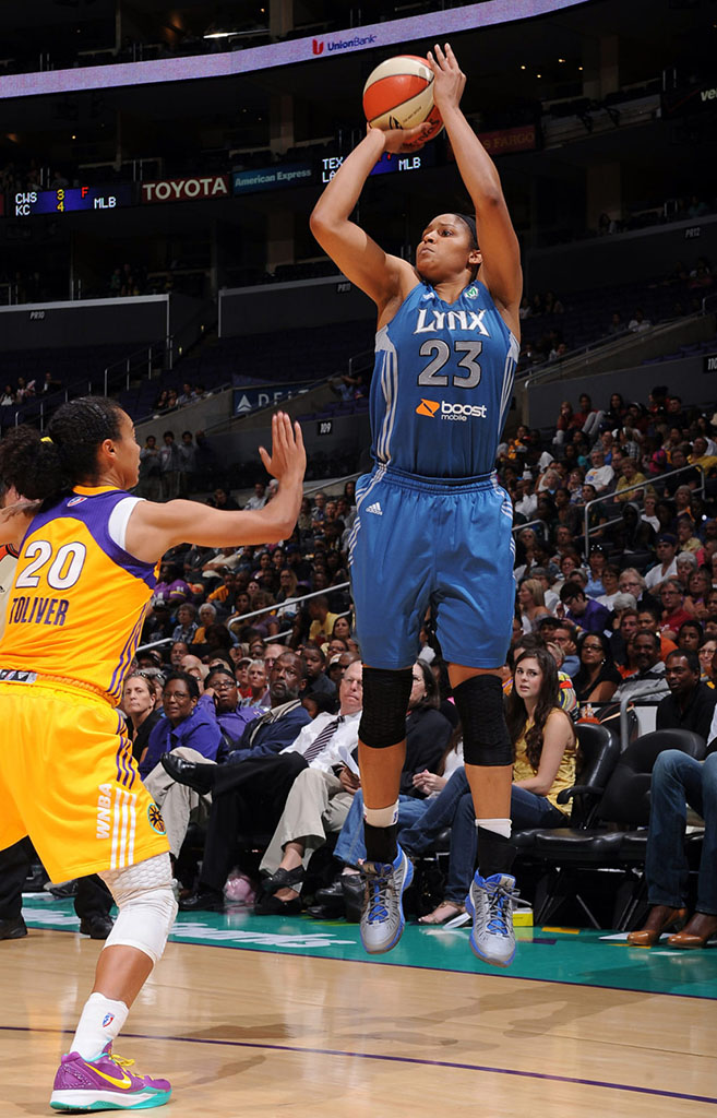 Maya Moore wearing Jordan Super.Fly PE (2)