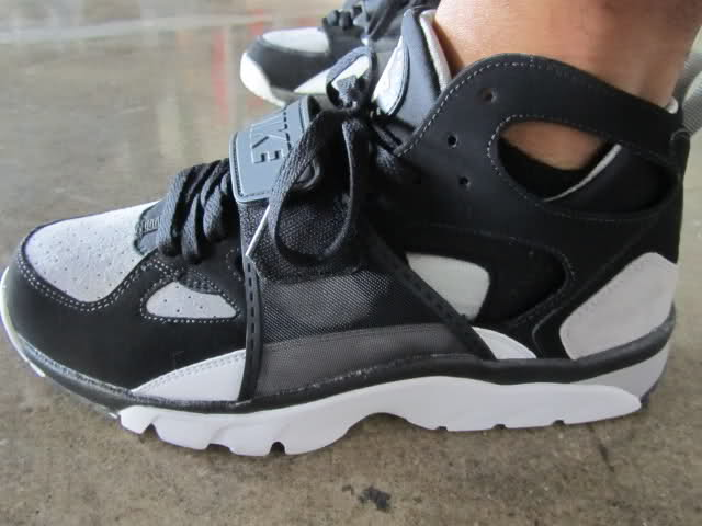 520e112f1e6c6 YoungSk8 in the classic Nike Air Huarache Trainer.
