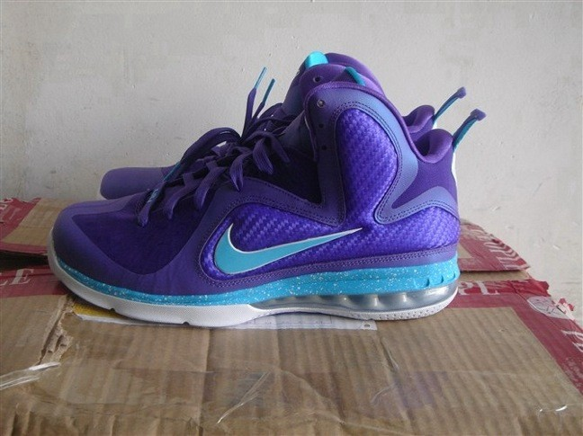 Lebron 9 Hornets Socks Nike LeBron 9 - Summit...