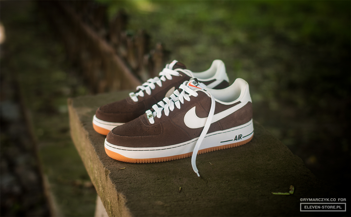 Nike Air Force 1 Low Brown White Gum Sole Collector