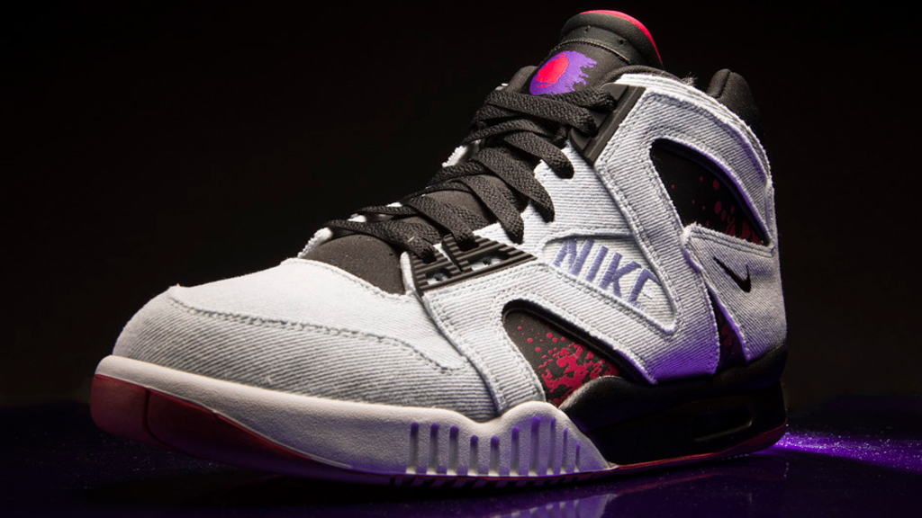 new product 20e16 e9e52 Another Look at the 'Washed Denim' Nike Air Tech Challenge Hybrid ...