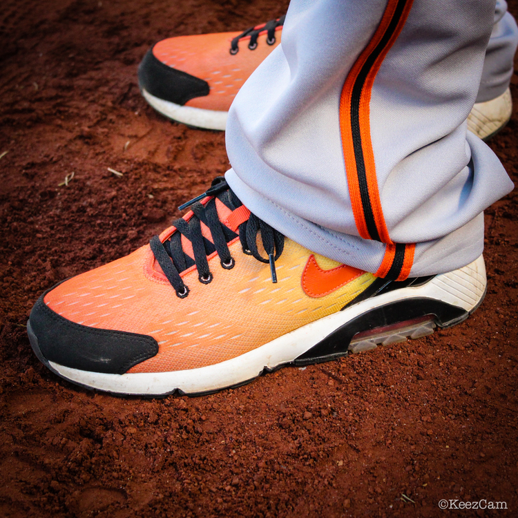 MLB Watch Ryan Vogelsong Nike Air 180 EM Sunset Pack