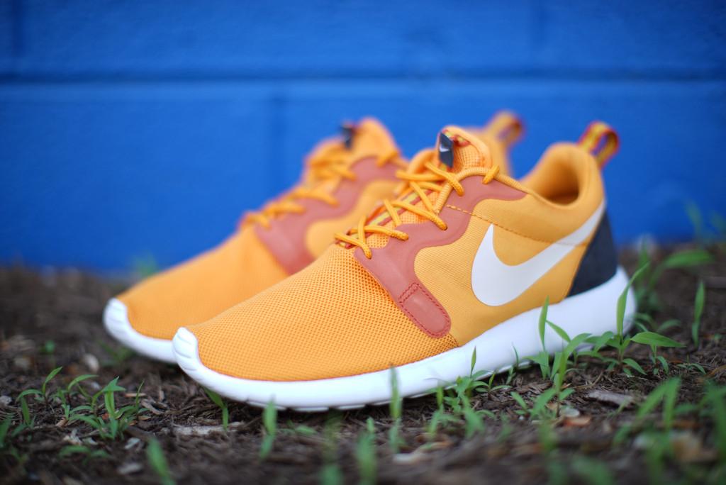 reputable site 0d344 027c1 Nike Roshe Run HYP  Kumquat