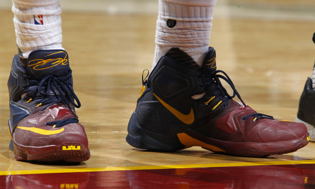LeBron James Nike LeBron 13 Cavs Gradient PE (7)