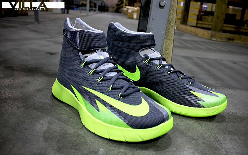 Nike HyperRev Hitting Retail in Black/Volt (2)