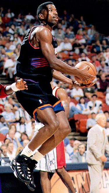 sale retailer 0c254 73fe3 Flashback // Best Shoes Worn With the Original Phoenix Suns ...