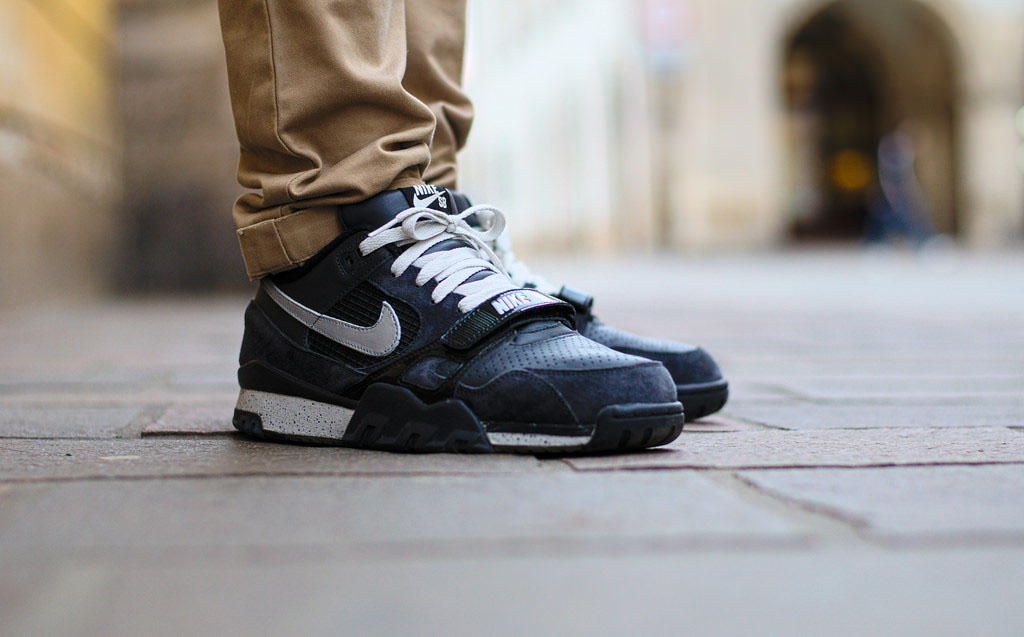 Rychu08 wearing the Nike Air Trainer 2 SB