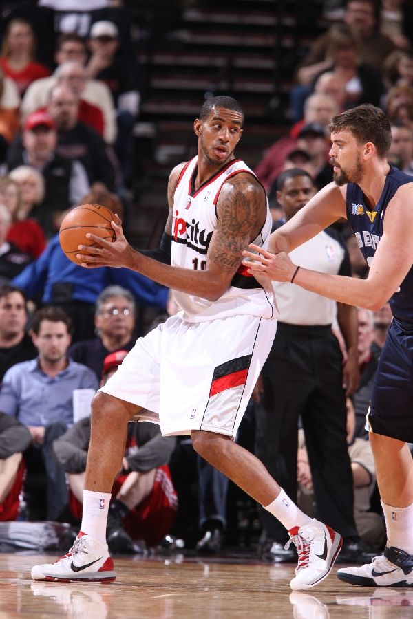 LaMarcus Aldridge wearing the Nike Air Max Hyperdunk 2010