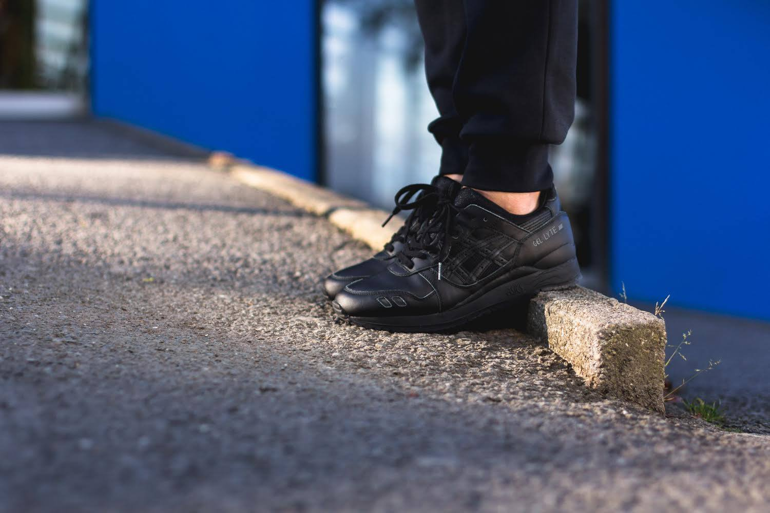 Buy asics gel lyte iii all black > Up to OFF61% Discounted