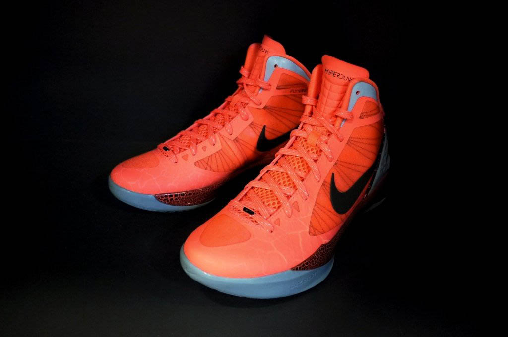 new style a2527 e6520 Nike Zoom Hyperdunk 2011 - Blake Griffin