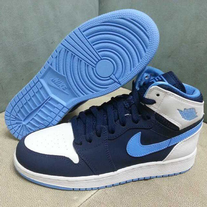 a458c18f9127b5 Chris Paul s Air Jordan 1 Retro Pair