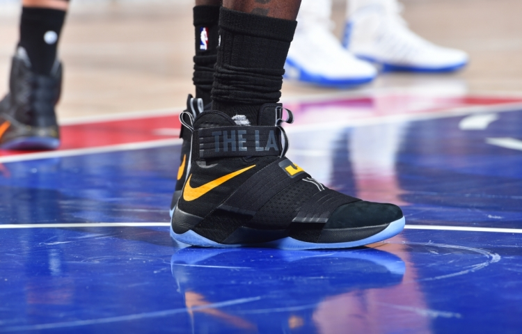 LeBron James Wearing a Black/Yellow The Land Nike LeBron Soldier 10 PE Shoes