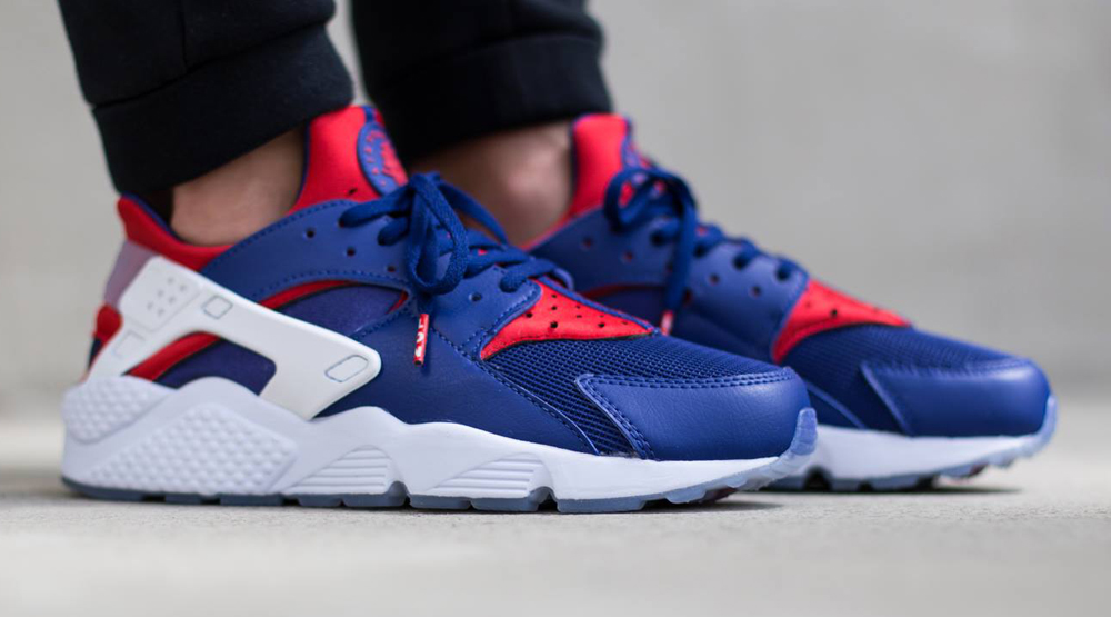Nike Air Huarach London Blue Red White Shoes