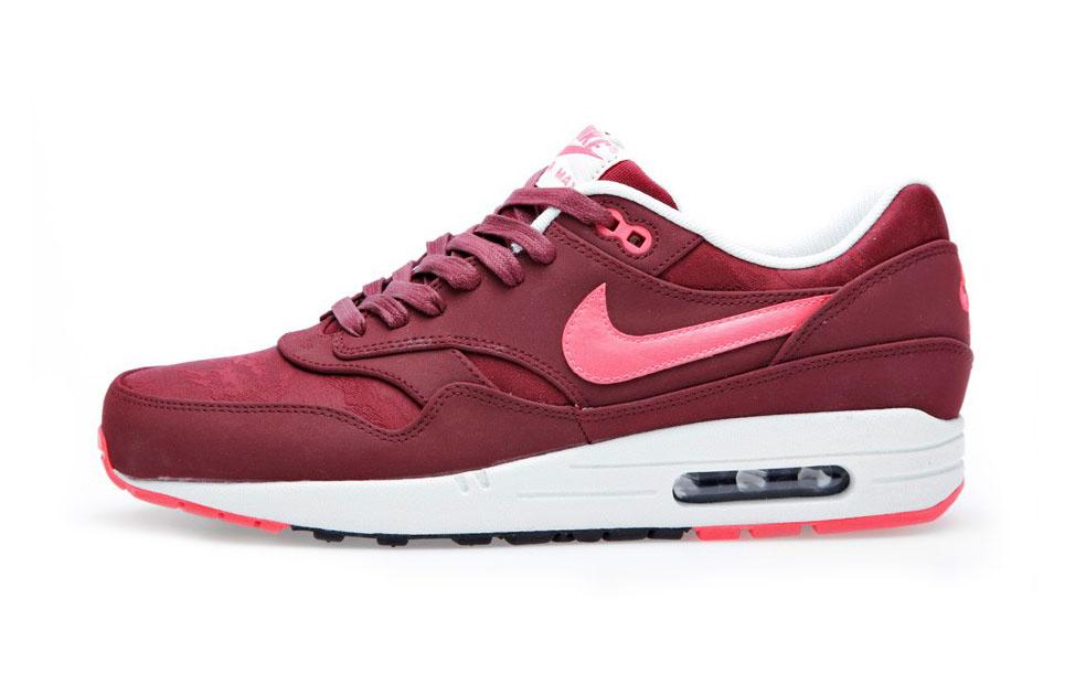 red air max 1