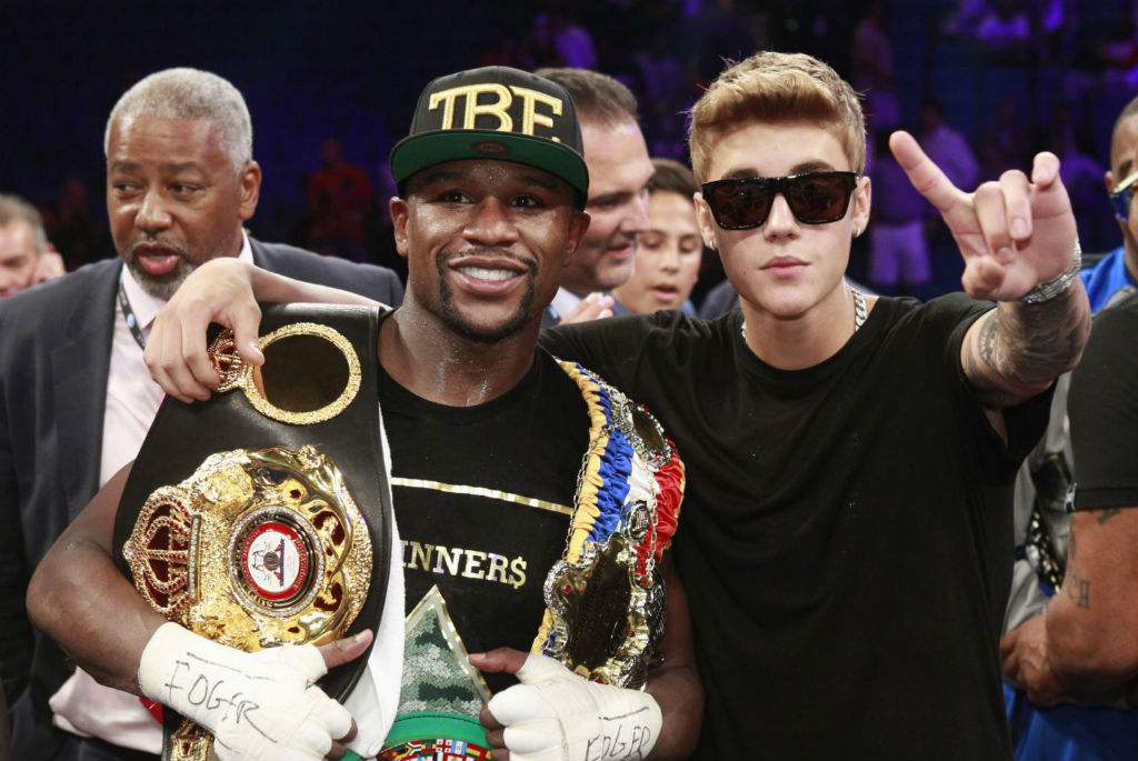 Floyd Mayweather Moves To 45-0 With Decision Over Canelo Alvarez (4)