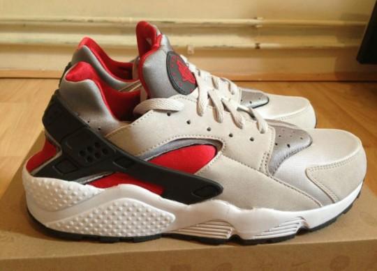 big sale 845d8 7df32 Nike Air Huarache LE - GreyRed