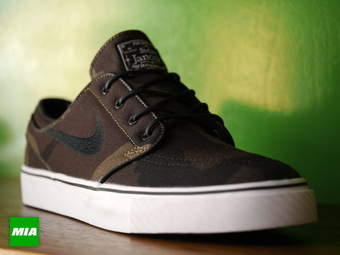 nike zoom stefan janoski camo available sole collector. Black Bedroom Furniture Sets. Home Design Ideas