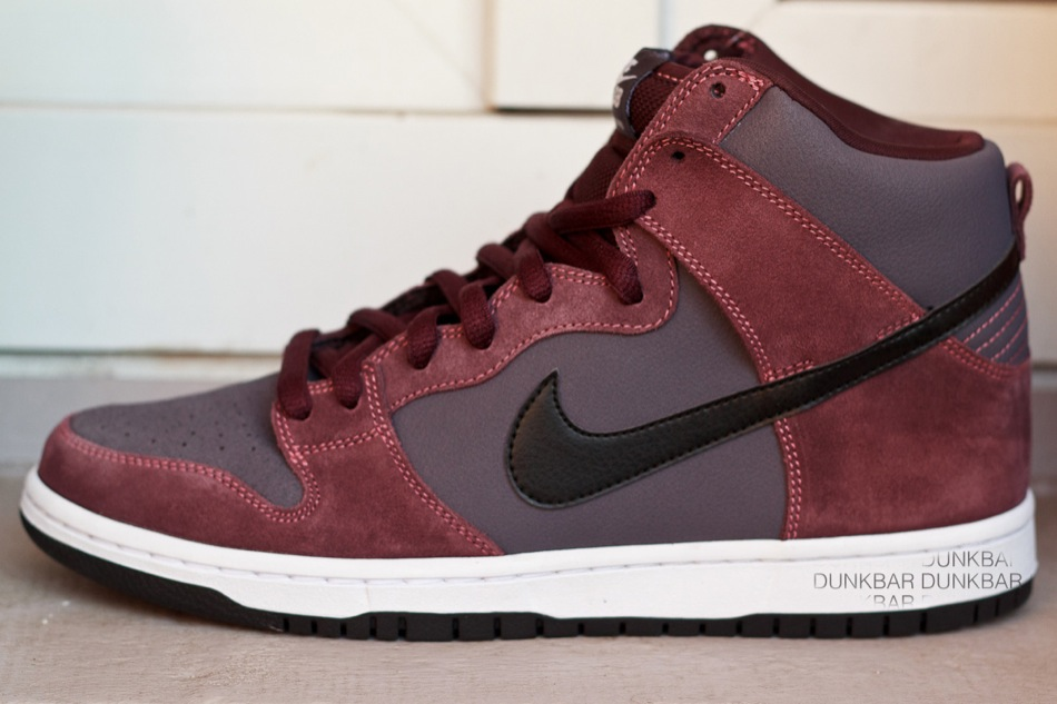 Deep burgundy takes over this April 2012 release of the SB Dunk High.