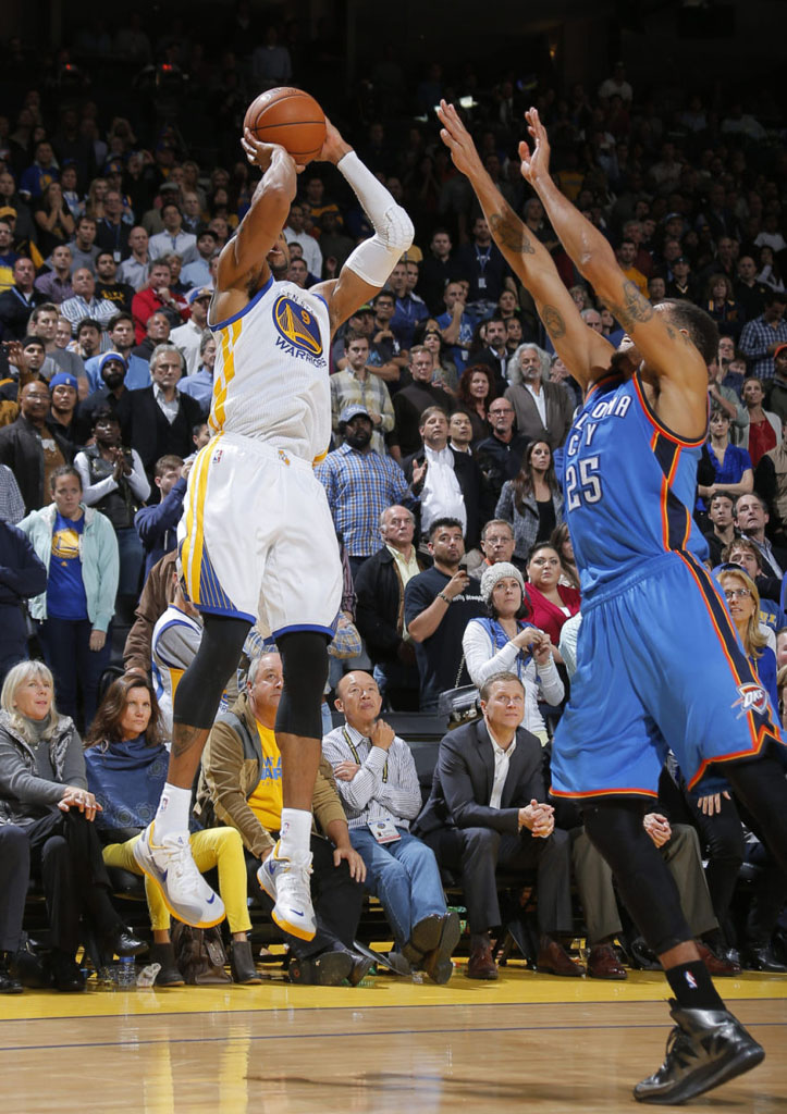 Andre Iguodala Hits Game-Winner in Nike Hyperfuse 2012 Low (1)