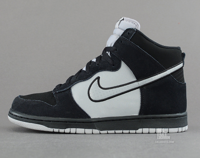 Nike Dunk High in black and reflective silver profile