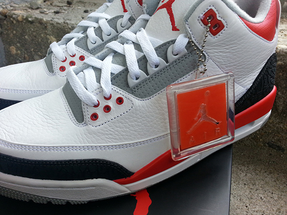 AIR JORDAN 3 RETRO 'FIRE RED' 2013