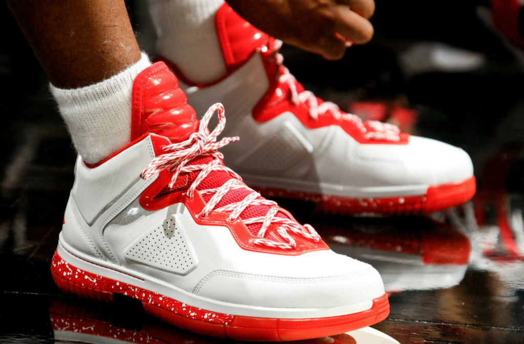 Dwyane Wade Wears Li-Ning Way of Wade White/Red (1)