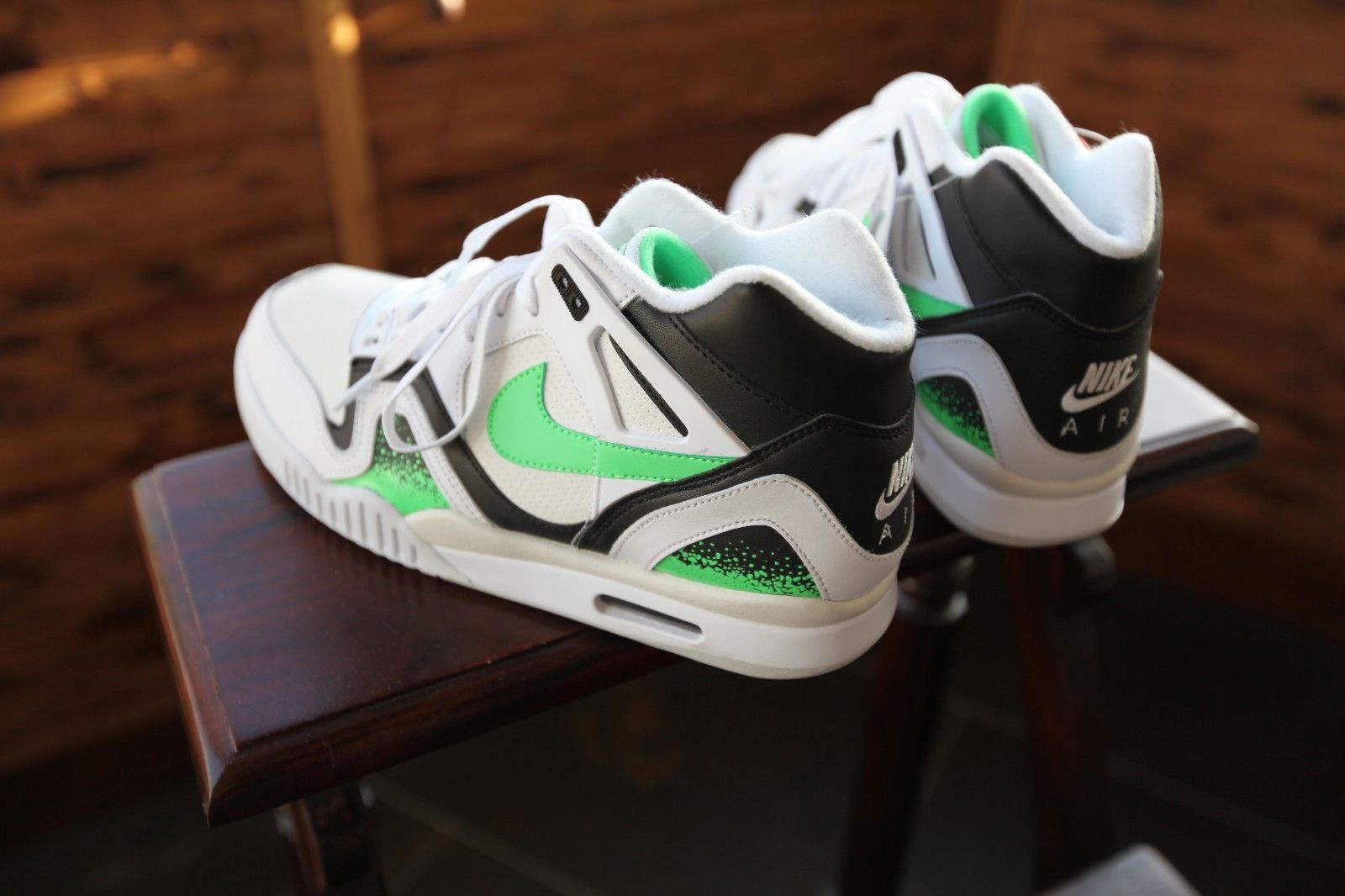 769a61624 Nike Air Tech Challenge II - Poison Green