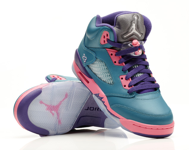Air Jordan 5 Retro GS in Tropical Teal Digital Pink and Court Purple outsole