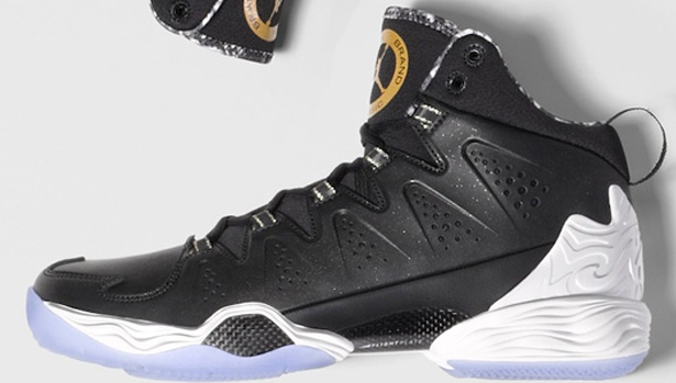 Jordan Melo M10 Black/White-Metallic Gold
