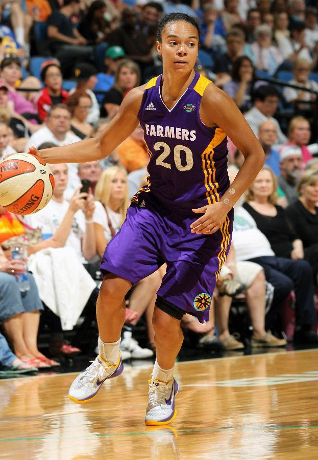 Kristi Toliver wearing Nike Zoom Kobe VI