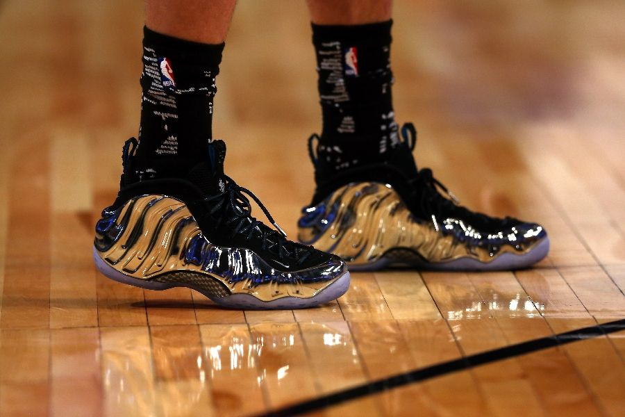Zach LaVine wearing Nike Air Foamposite One Chromeposite 2