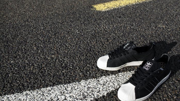 newest 015a3 dd8aa Vanquish x adidas Originals Superstar 80s (3)