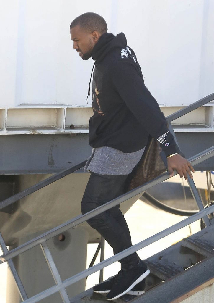 Kanye West Wears Nike Free Inneva Woven SP (2)