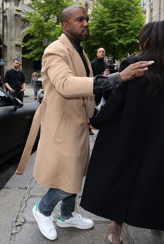 Kanye West wearing adidas Stan Smith (1)