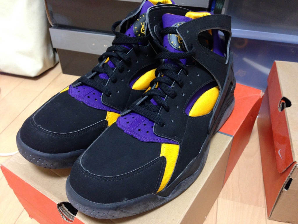 Rare Nike Air Flight Huarache 'Kobe Bryant' PE Available on