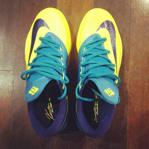 kd 6 yellow and blue