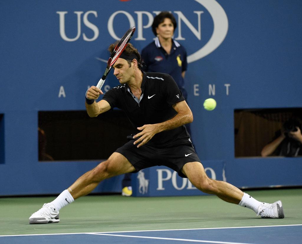 Roger Federer Debuts NikeCourt Zoom