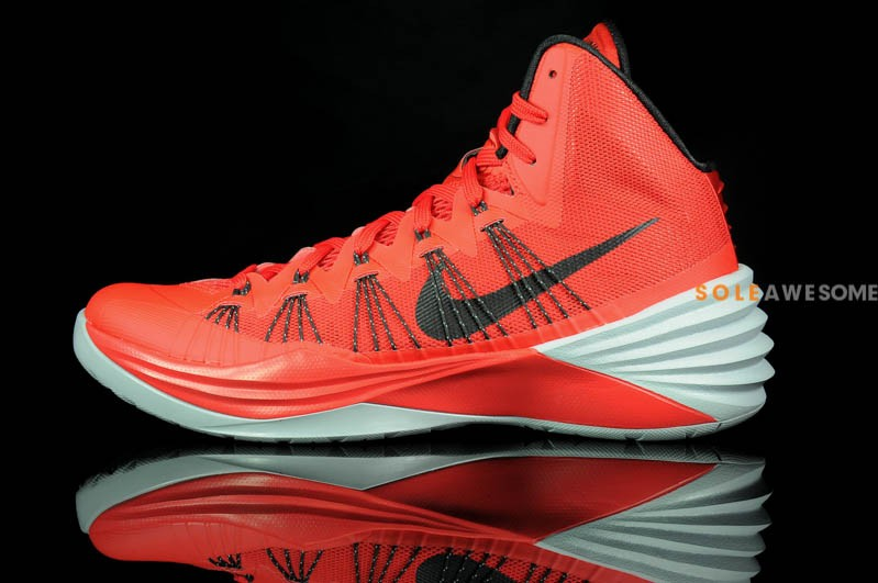 reputable site 0b61e 16602 Nike Hyperdunk 2013 - University Red   Sole Collector