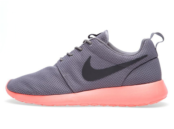pink and grey roshe runs