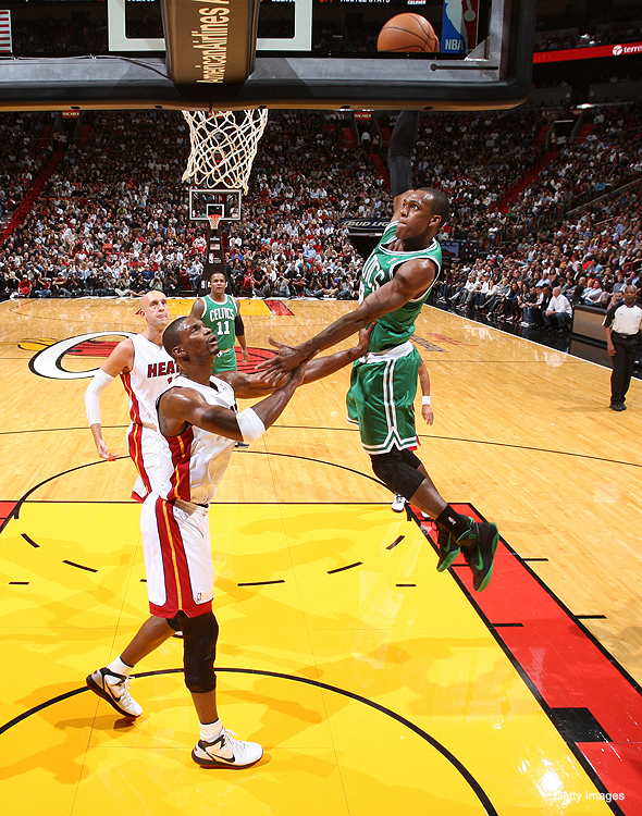 Rajon Rondo wearing Nike Zoom Hyperfuse PE