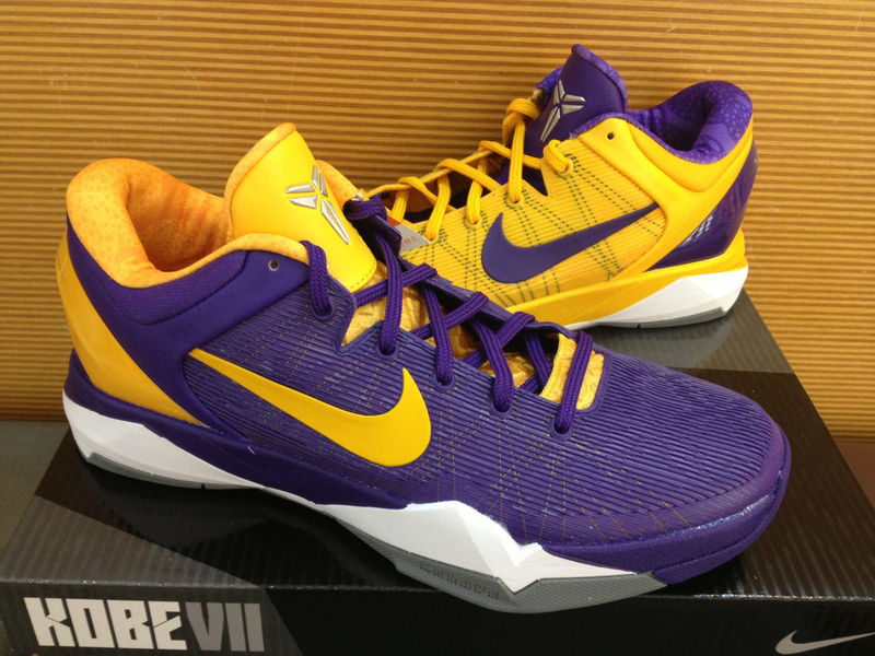c6e077dcdcb0 Nike Kobe VII Lakers Mismatch Snake Pool 488371-501 (2)