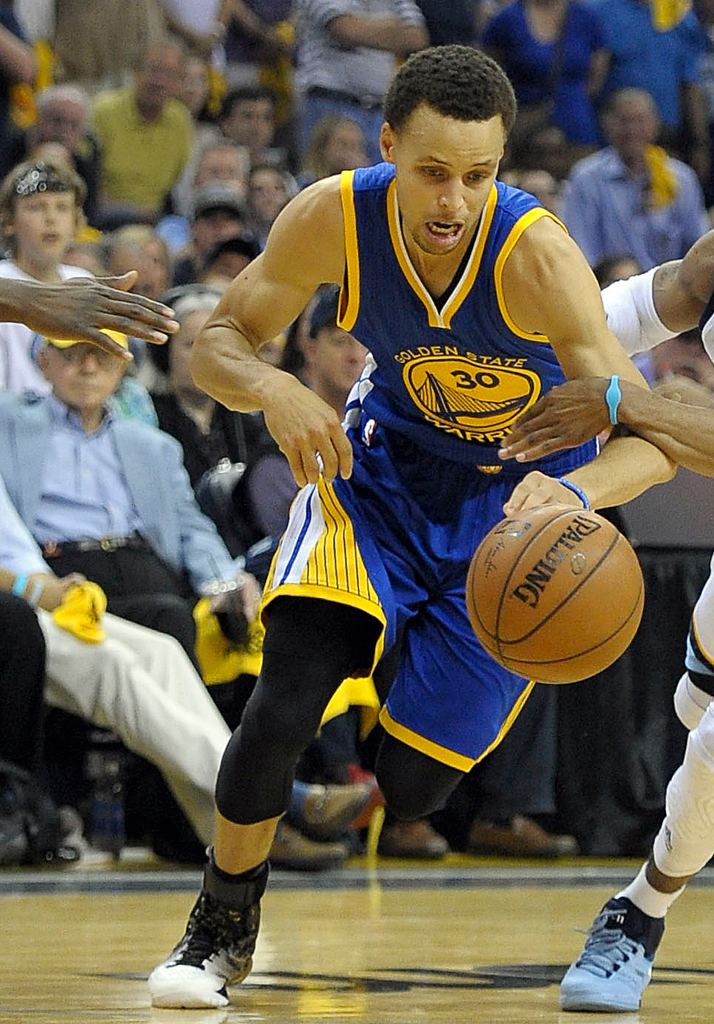 Stephen Curry wearing the 'MVP' Under Armour Curry One (4)