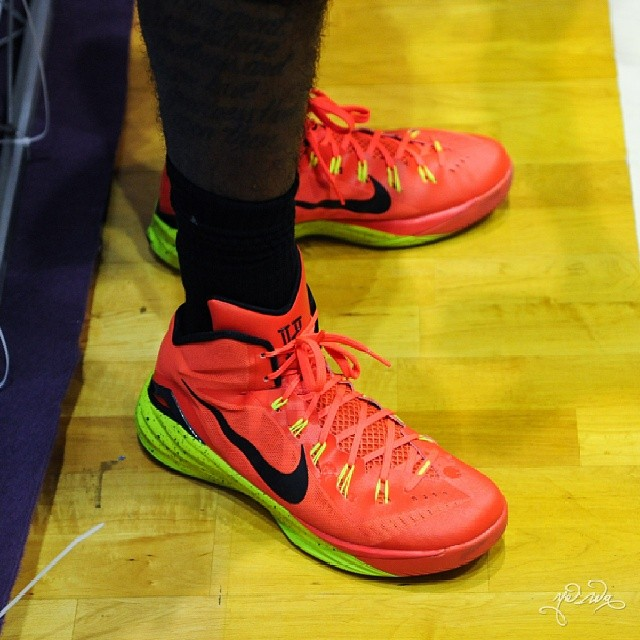 best website f8e05 36546 Kyrie Irving wearing Nike Hyperdunk 2014 PE (3)