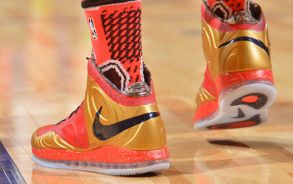 Anthony Davis wearing Nike Air Max Hyperposite PE