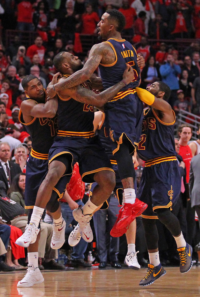 LeBron James Hits Game-Winner in a Nike LeBron XII 12 PE (1)